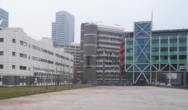 Den Haag CS-Oost: Dark or dazzling?