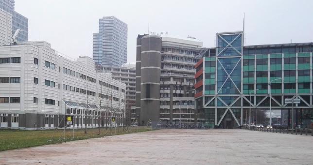 zicht-op-koninklijke-bibliotheek-ministerie-van-buitenlandse-zaken-en-bruggebouw-west